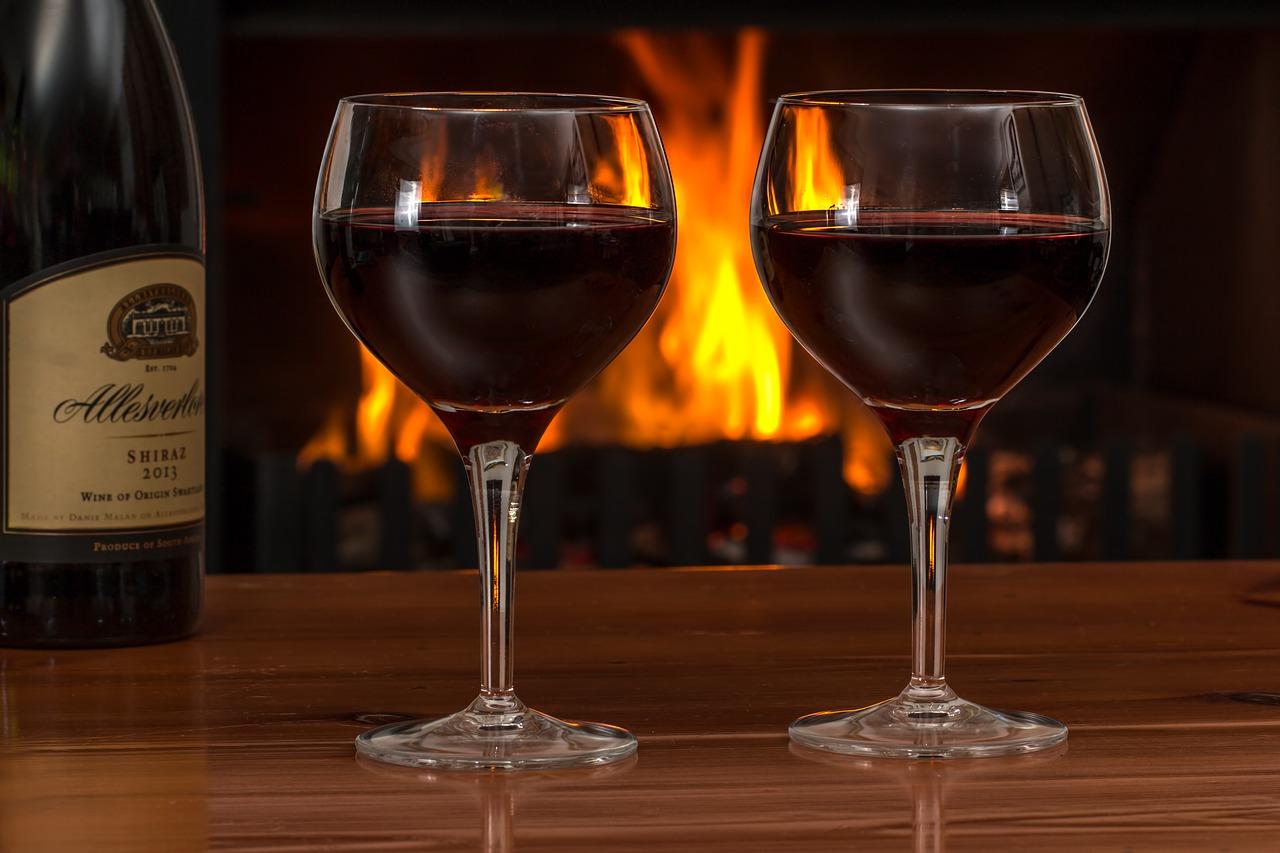 כוסות של יין